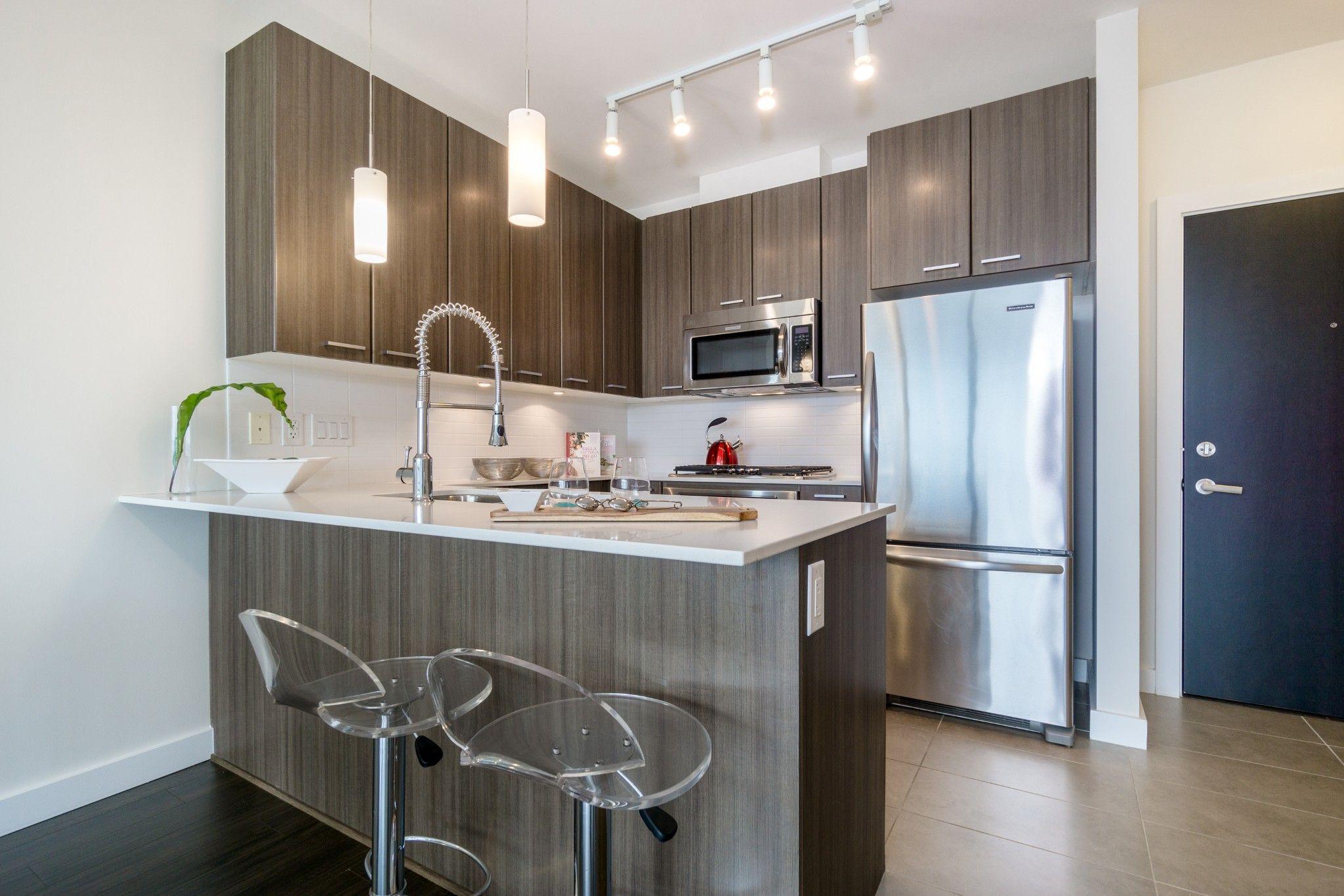 """Photo 3: Photos: 2906 2955 ATLANTIC Avenue in Coquitlam: North Coquitlam Condo for sale in """"OASIS"""" : MLS®# R2274297"""