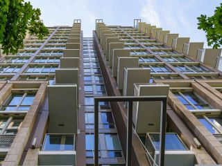 """Photo 40: 2001 1055 RICHARDS Street in Vancouver: Downtown VW Condo for sale in """"Donovan"""" (Vancouver West)  : MLS®# R2555936"""