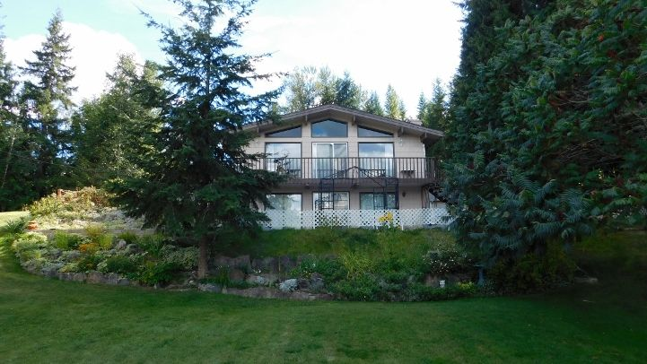 Main Photo: 2487 Centennial Drive in Blind Bay: House for sale : MLS®# 10122494