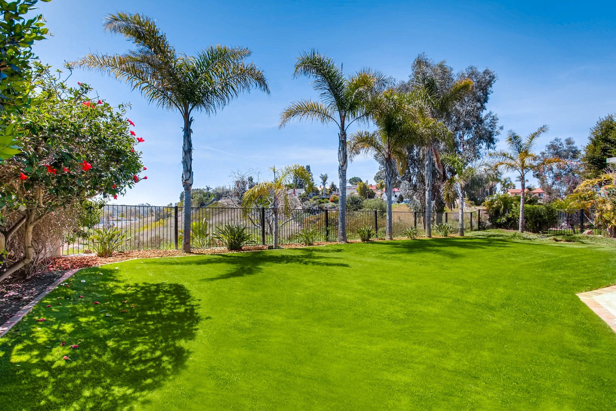 Photo 7: Photos: House for sale (San Diego)  : 5 bedrooms : 3341 Golfers Dr in Oceanside