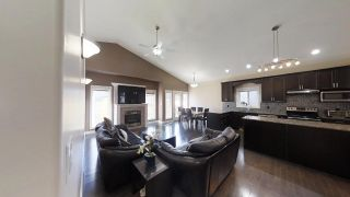 Photo 11: 805 WILDWOOD Crescent in Edmonton: Zone 30 House for sale : MLS®# E4240471