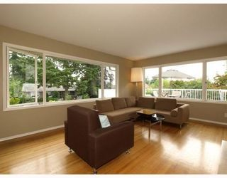 Photo 3: 1253 Sutherland Avenue in North Vancouver: Boulevard House for sale : MLS®# V785862