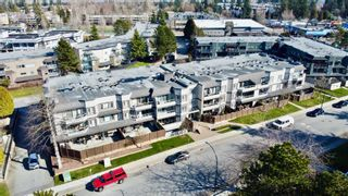 """Photo 19: 312 1840 E SOUTHMERE Crescent in Surrey: Sunnyside Park Surrey Condo for sale in """"SOUTHMERE MEWS WEST"""" (South Surrey White Rock)  : MLS®# R2443327"""