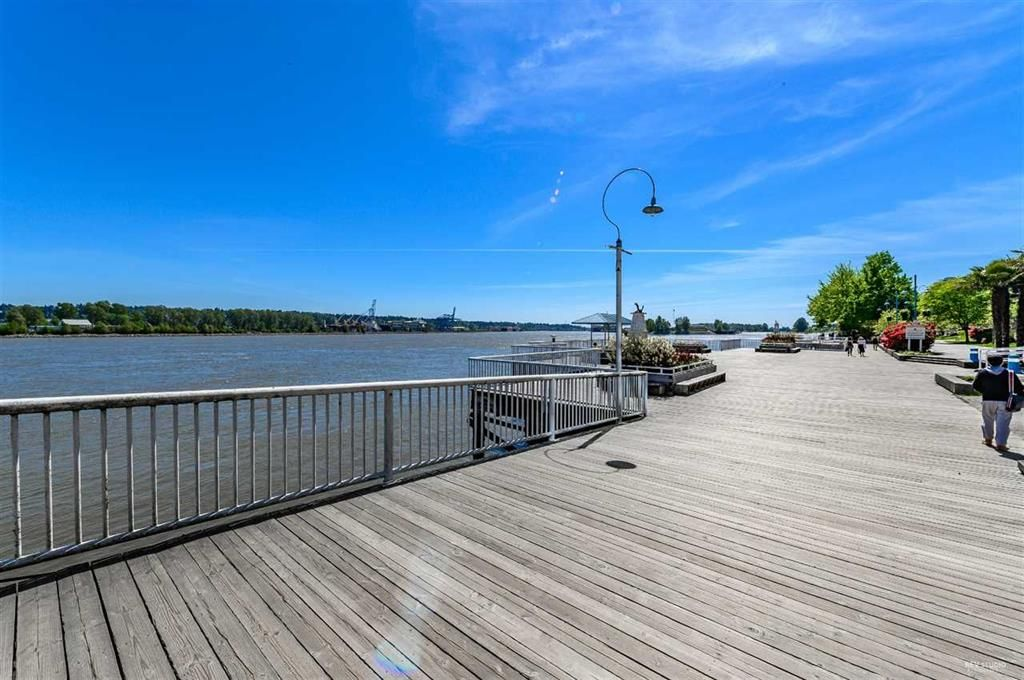 Photo 15: Photos: 2406 - 908 Quayside Drive in New Westminster: Quay Condo for sale