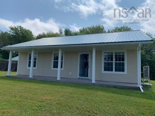 Photo 1: 5338 Little Harbour Road in Little Harbour: 108-Rural Pictou County Residential for sale (Northern Region)  : MLS®# 202121038