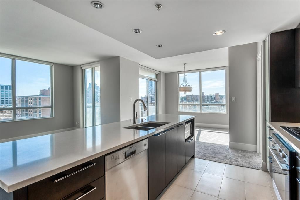 Main Photo: 706 1111 10 Street SW in Calgary: Beltline Apartment for sale : MLS®# A1089360