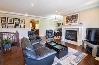 """Photo 4: 3869 CLEMATIS Crescent in Port Coquitlam: Oxford Heights House for sale in """"OXFORD HEIGHTS"""" : MLS®# R2391845"""
