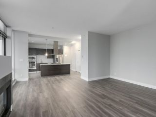 """Photo 8: 2002 2959 GLEN Drive in Coquitlam: North Coquitlam Condo for sale in """"THE PARC"""" : MLS®# R2213475"""