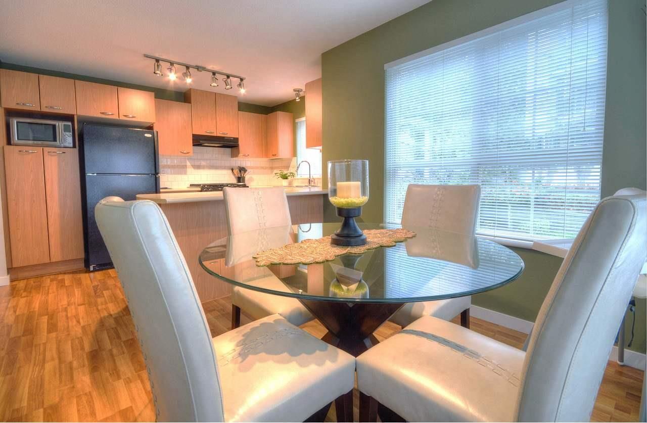 """Photo 5: Photos: 309 2968 SILVER SPRINGS Boulevard in Coquitlam: Westwood Plateau Condo for sale in """"TAMARISK"""" : MLS®# R2237139"""