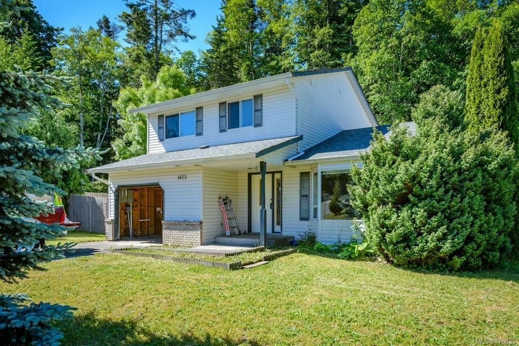 Main Photo: 1623 Hobson Ave in : CV Courtenay East House for sale (Comox Valley)  : MLS®# 876835