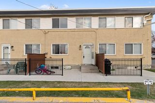 Photo 1: 302 2211 19 Street NE in Calgary: Vista Heights Row/Townhouse for sale : MLS®# A1152885