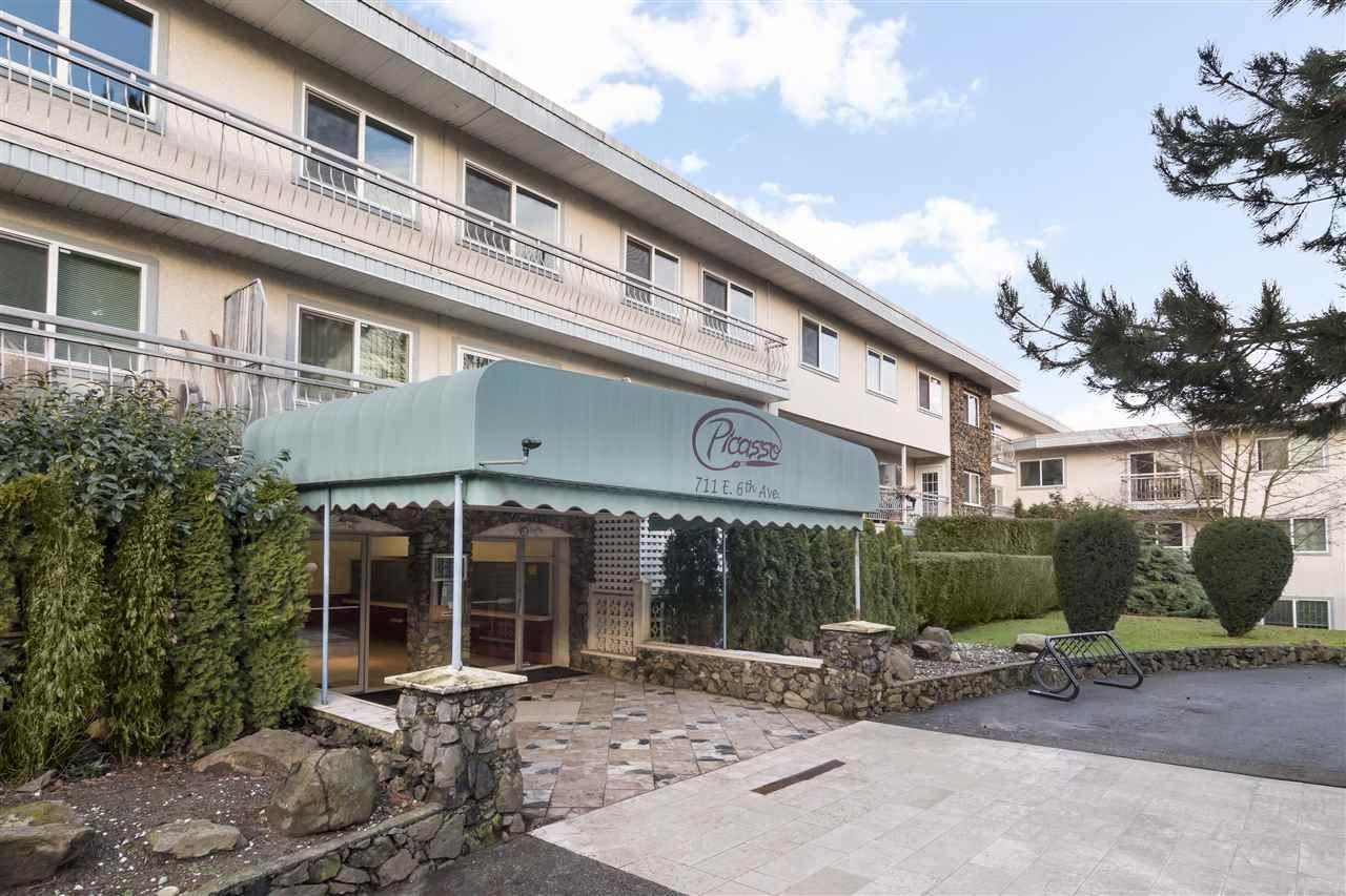 "Main Photo: 306 711 E 6TH Avenue in Vancouver: Mount Pleasant VE Condo for sale in ""PICASSO"" (Vancouver East)  : MLS®# R2133551"