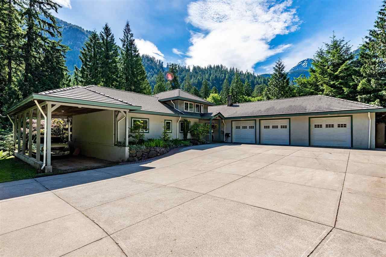 Main Photo: 19532 SILVER SKAGIT Road in Hope: Hope Silver Creek House for sale : MLS®# R2588504