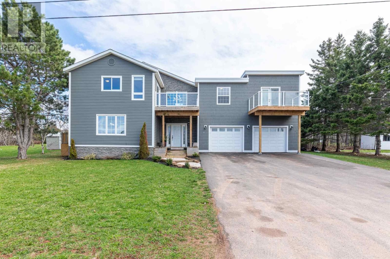 Photo 2: Photos: 5 Cherry Lane in Stratford: House for sale : MLS®# 202119303