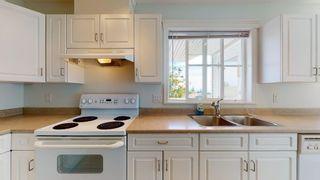 Photo 5: 6351 TYLER Road in Sechelt: Sechelt District House for sale (Sunshine Coast)  : MLS®# R2619563