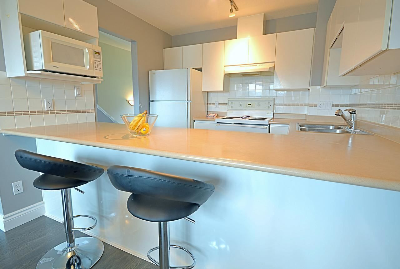 """Photo 3: Photos: 1144 O'FLAHERTY Gate in Port Coquitlam: Citadel PQ Townhouse for sale in """"THE SUMMIT"""" : MLS®# R2044041"""