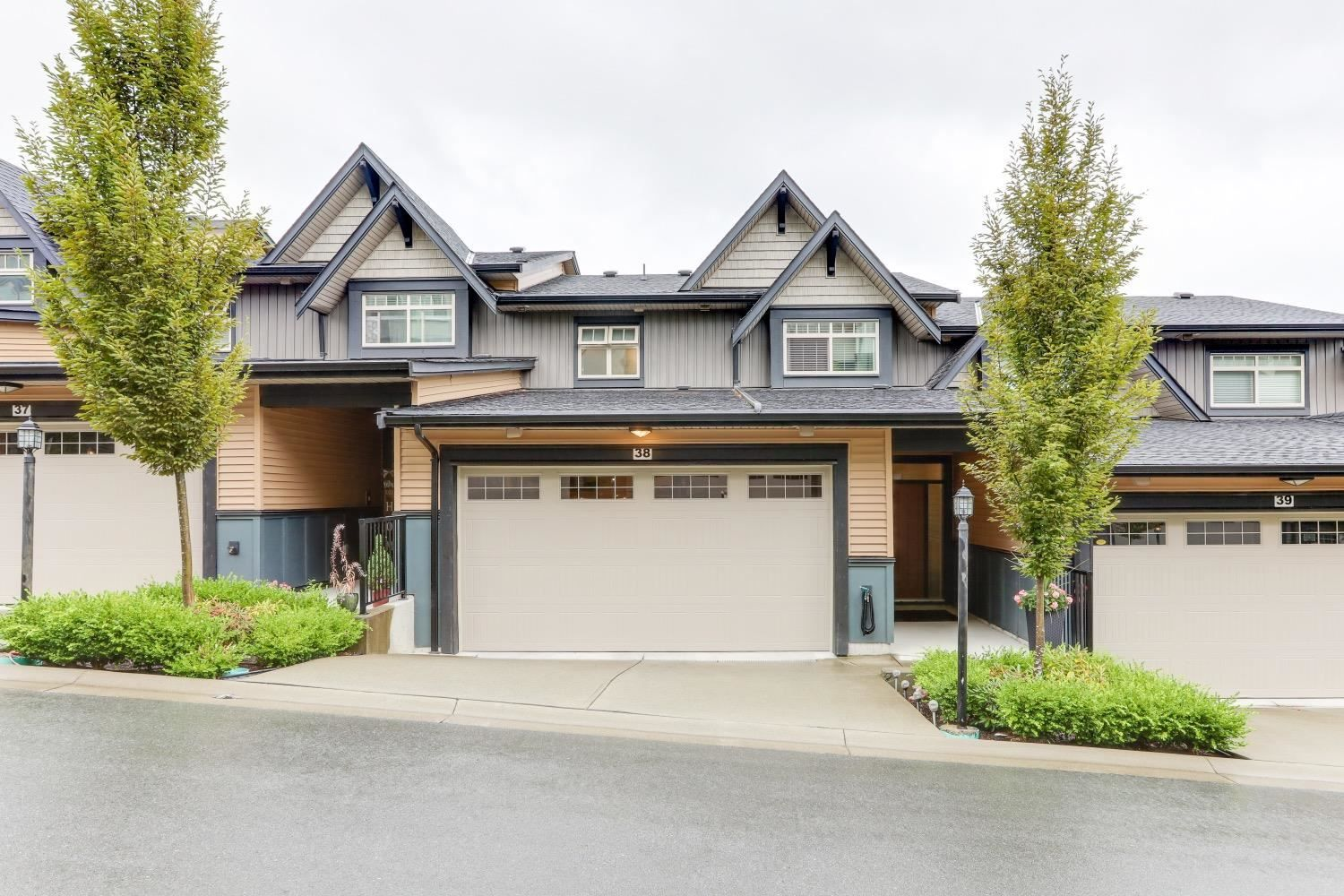 """Main Photo: 38 10525 240 Street in Maple Ridge: Albion Townhouse for sale in """"MAGNOLIA GROVE"""" : MLS®# R2608255"""