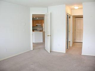 """Photo 9: 303 33478 ROBERTS Avenue in Abbotsford: Central Abbotsford Condo for sale in """"Aspen Creek"""" : MLS®# F2715413"""