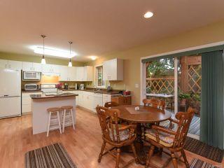 Photo 4: 555 BECKTON DRIVE in COMOX: CV Comox (Town of) House for sale (Comox Valley)  : MLS®# 789909