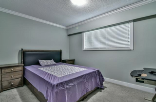 Photo 6: 18463 56 Avenue in Surrey: Cloverdale BC House for sale : MLS®# R2474731