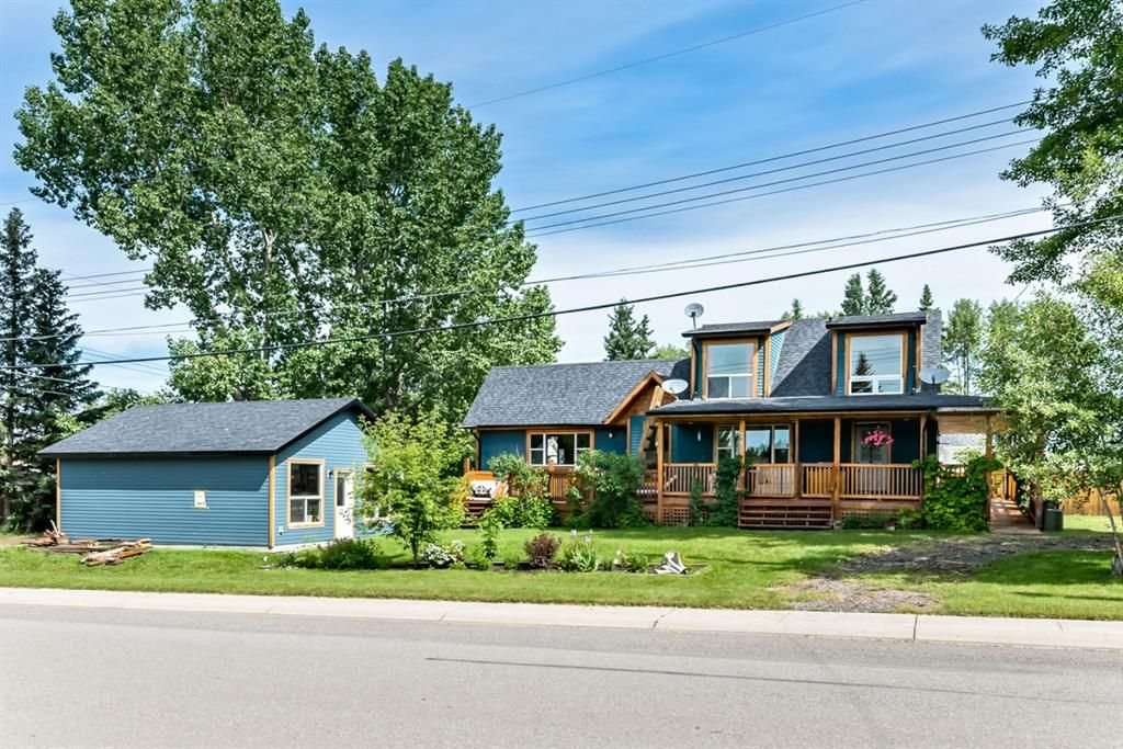 Main Photo: 201 Royalties Crescent: Longview Detached for sale : MLS®# A1011778