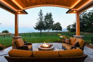 Photo 3: 955 Balmoral Rd in : CV Comox Peninsula House for sale (Comox Valley)  : MLS®# 885746