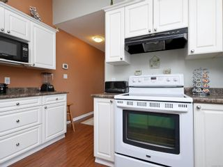 Photo 10: 2 7570 Tetayut Rd in : CS Hawthorne Manufactured Home for sale (Central Saanich)  : MLS®# 870811