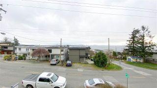 """Photo 3: 201 15131 BUENA VISTA Avenue: White Rock Condo for sale in """"Bay Pointe"""" (South Surrey White Rock)  : MLS®# R2590521"""