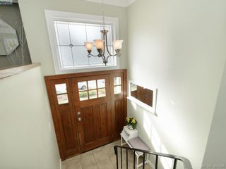Photo 2: 2331 Bellamy Rd in VICTORIA: La Thetis Heights House for sale (Langford)  : MLS®# 780535