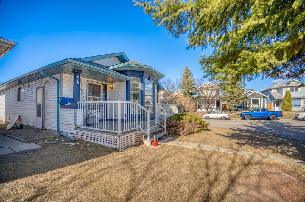 Main Photo: 64 Martinridge Way NE in Calgary: Martindale Detached for sale : MLS®# A1093464