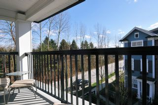 """Photo 11: 51 19572 FRASER Way in Pitt Meadows: South Meadows Townhouse for sale in """"COHO CHAPTER II"""" : MLS®# V996391"""