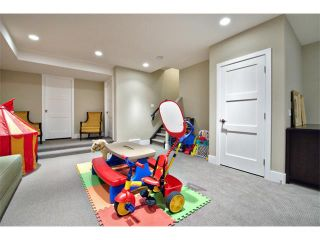 Photo 32: 931 33 Street NW in Calgary: Parkdale House for sale : MLS®# C4003919