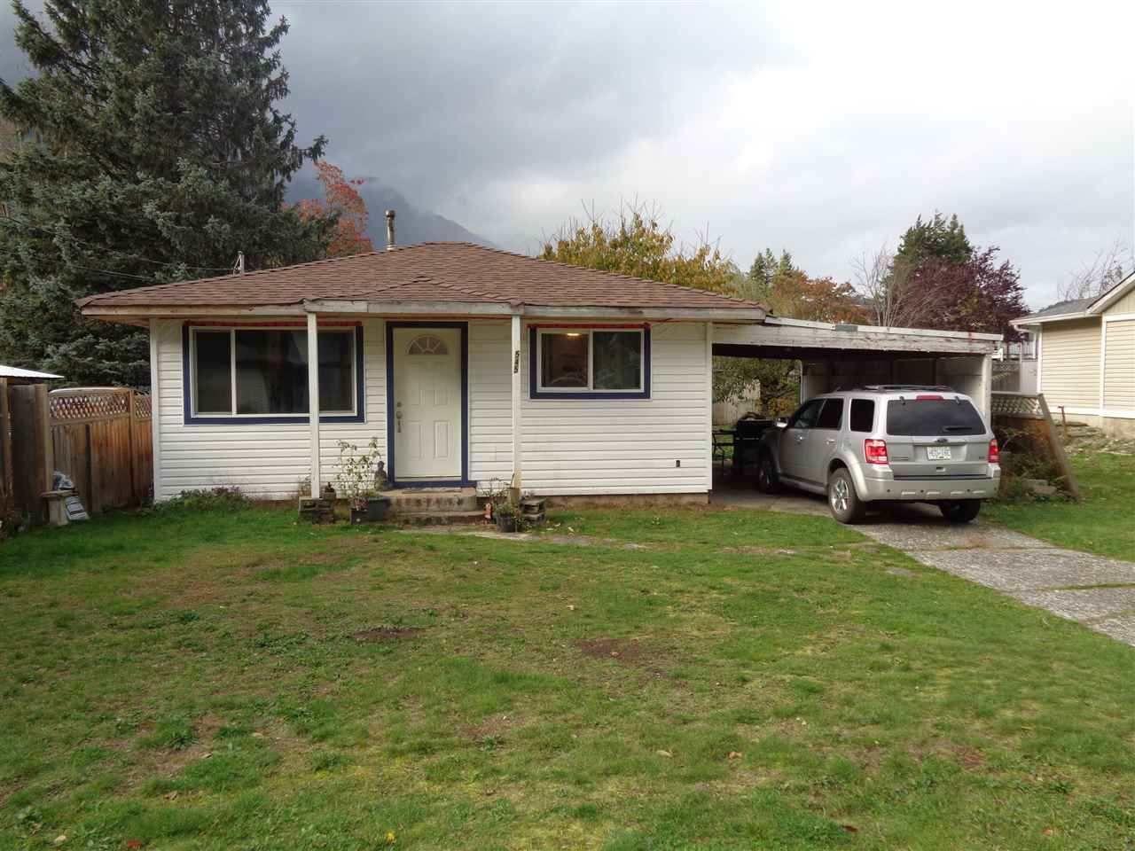 Main Photo: 545 DOUGLAS Street in Hope: Hope Center House for sale : MLS®# R2442473