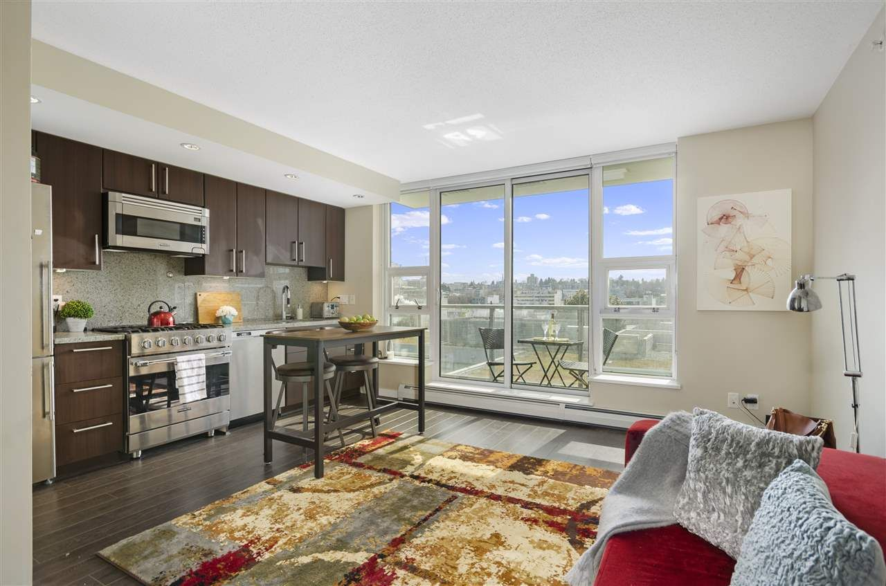 """Main Photo: 903 138 W 1ST Avenue in Vancouver: False Creek Condo for sale in """"WALL CENTRE FALSE CREEK"""" (Vancouver West)  : MLS®# R2561097"""