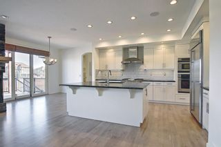 Photo 4: 8128 9 Avenue SW in Calgary: West Springs Detached for sale : MLS®# A1097942