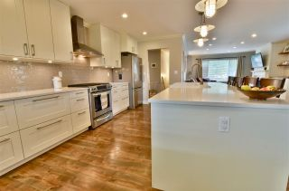 Photo 8: 5905 183A Street in Surrey: Cloverdale BC House for sale (Cloverdale)  : MLS®# R2404391