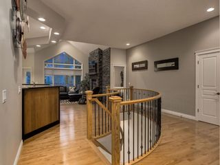 Photo 3: 23 DISCOVERY RIDGE Lane SW in Calgary: Discovery Ridge Detached for sale : MLS®# A1074713