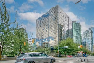 """Main Photo: 413 1333 W GEORGIA Street in Vancouver: Coal Harbour Condo for sale in """"Qube Building"""" (Vancouver West)  : MLS®# R2602829"""