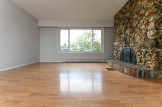 Photo 8: 2442 Fitzgerald Ave in : CV Courtenay City House for sale (Comox Valley)  : MLS®# 874631