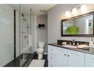 """Photo 13: 18677 61A Avenue in Surrey: Cloverdale BC House for sale in """"EAGLECREST"""" (Cloverdale)  : MLS®# R2426392"""