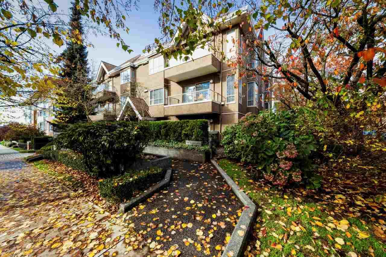 """Main Photo: 103 751 CHESTERFIELD Avenue in North Vancouver: Central Lonsdale Condo for sale in """"9 Gables"""" : MLS®# R2320728"""