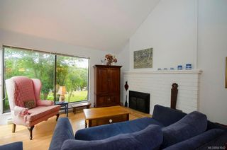 Photo 1: 1 1314 Vining St in Victoria: Vi Fernwood Row/Townhouse for sale : MLS®# 841642