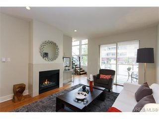 Photo 4: Fee Simple Townhome in Sidney By The Sea