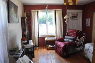 Photo 2: 1886 Shuswap Avenue, in Lumby: House for sale : MLS®# 10235478