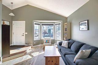 Photo 3: 132 Ventura Way NE in Calgary: Vista Heights Detached for sale : MLS®# A1081083