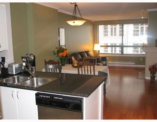 Photo 2: 301 1226 HAMILTON Street in Vancouver: Downtown VW Condo for sale (Vancouver West)  : MLS®# V679220