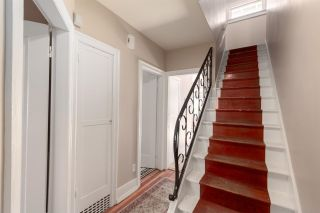 """Photo 3: 2706 W 41ST Avenue in Vancouver: Kerrisdale House for sale in """"Kerrisdale"""" (Vancouver West)  : MLS®# R2583541"""