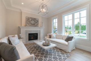 Photo 3: 5253 1 Avenue in Delta: Pebble Hill House for sale (Tsawwassen)  : MLS®# R2469224