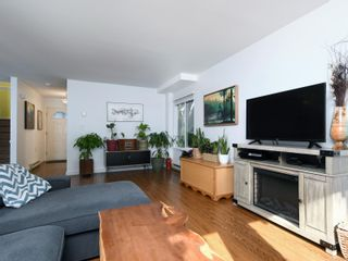 Photo 4: 12 2669 Shelbourne St in : Vi Jubilee Row/Townhouse for sale (Victoria)  : MLS®# 869567