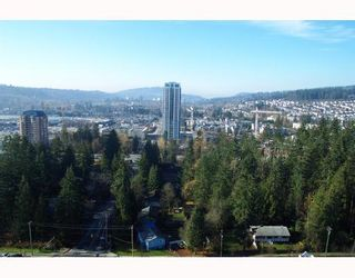 "Photo 2: 1001 3071 GLEN Drive in Coquitlam: North Coquitlam Condo for sale in ""PARC LAURENT"" : MLS®# V685647"